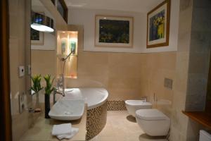 Les Deux Chèvres, Hotels  Gevrey-Chambertin - big - 8