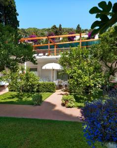 Hotel Villa Brunella, Отели  Капри - big - 37
