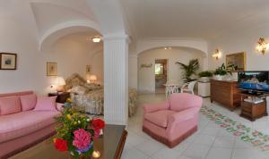 Hotel Villa Brunella, Отели  Капри - big - 6