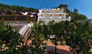 Hotel Villa Brunella, Отели  Капри - big - 11