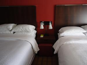 Four Points by Sheraton Toronto Mississauga, Hotels  Mississauga - big - 21