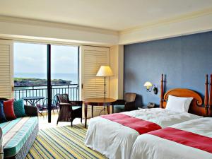 Hotel Nikko Alivila, Отели  Yomitan - big - 10