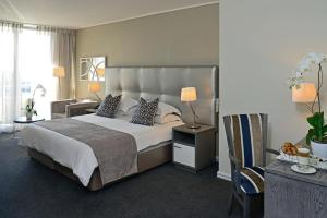 Partial Table Mountain View King or Twin Room