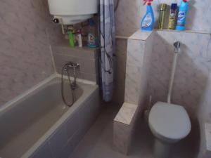 Pálfi Apartman, Апартаменты  Дьюла - big - 9