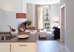 Luxury Suite with views to La Rambla