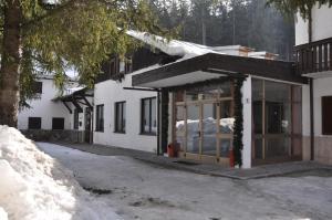 Casa Alpina Dobbiaco, Penziony  Dobbiaco - big - 17