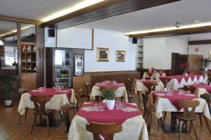 Casa Alpina Dobbiaco, Penziony  Dobbiaco - big - 25