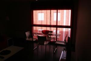 Apartamentos Calle José, Апартаменты  Мадрид - big - 92