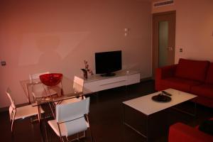 Apartamentos Calle José, Апартаменты  Мадрид - big - 86