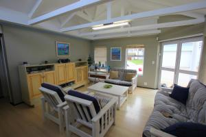 1 Point Village Guesthouse & Holiday Cottages, Apartmanok  Mossel Bay - big - 51