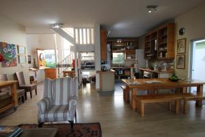 1 Point Village Guesthouse & Holiday Cottages, Apartmanok  Mossel Bay - big - 81