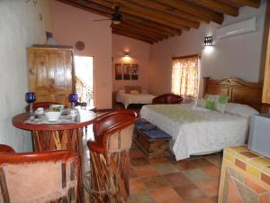 Casa Virgilios B&B, Bed & Breakfast  Nuevo Vallarta  - big - 3