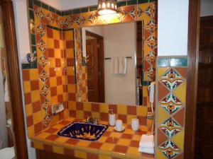 Casa Virgilios B&B, Bed & Breakfast  Nuevo Vallarta  - big - 4