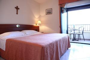 Hotel Za Maria, Hotel  Santo Stefano di Camastra - big - 4