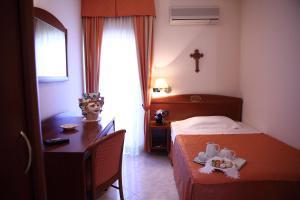 Hotel Za Maria, Hotel  Santo Stefano di Camastra - big - 51