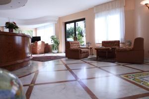 Hotel Za Maria, Hotel  Santo Stefano di Camastra - big - 43