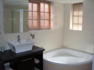 Standard-dobbelt-/2-personersværelse med udsigt over swimmingpoolen