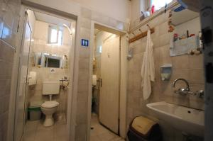 Yo Ho Hostel, Хостелы  Варна - big - 21