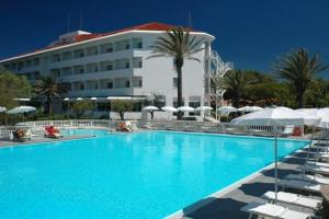Prenota Domizia Palace Hotel