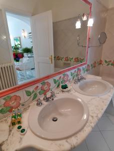Hotel Villa Brunella, Отели  Капри - big - 17
