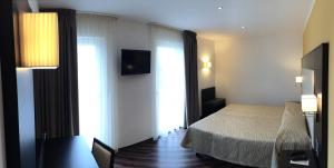 Hotel Villa Rosa, Hotely  Nago-Torbole - big - 3
