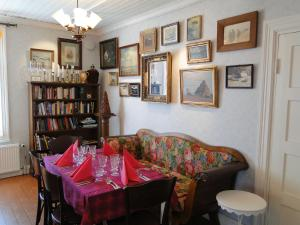 Hotel & Cafe Lanterna, Hotel  Nauvo - big - 52