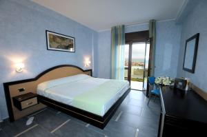 Grand Hotel Paradiso, Hotely  Catanzaro Lido - big - 17