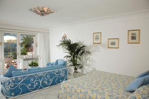 Hotel Villa Brunella, Отели  Капри - big - 20