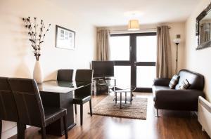 Cheltenham Plaza Apartments, Apartmány  Cheltenham - big - 17