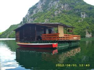 Raft Perucac
