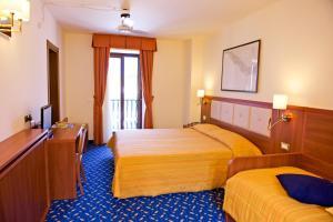 Hotel Benaco, Szállodák  Nago-Torbole - big - 52