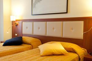 Hotel Benaco, Szállodák  Nago-Torbole - big - 3