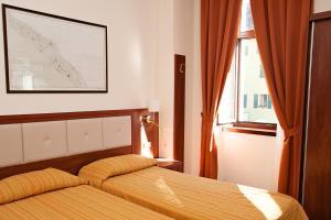 Hotel Benaco, Szállodák  Nago-Torbole - big - 16
