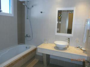 Alkyoni Beach Hotel, Hotely  Naxos Chora - big - 73