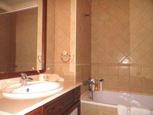 Bicos Beach Apartments AL by Albufeira Rental, Apartmanok  Albufeira - big - 10