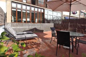 Superior Three-Bedroom Apartment with terrace (5 Adults)