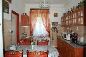 Zách Klára utcai Apartman, Гостевые дома  Вишеград - big - 9