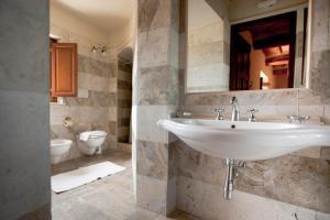 Castello Delle Serre, Bed and breakfasts  Rapolano Terme - big - 4