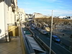 Vintage apartment, Apartmanok  Cannes - big - 7