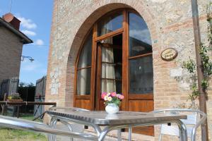 Casa Di Campagna In Toscana, Vidiecke domy  Sovicille - big - 6