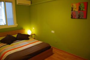 Two-Bedroom Apartment with Balcony (1-5 Adults)