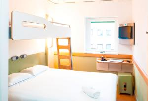 ibis budget Leeds Centre Crown Point Road, Отели  Лидс - big - 35