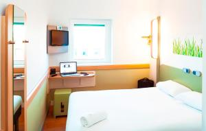 ibis budget Leeds Centre Crown Point Road, Szállodák  Leeds - big - 3
