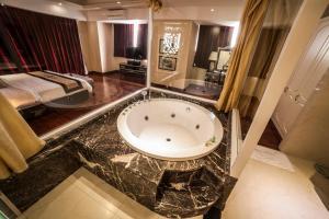 Moonlight Hotel Hue (5 of 50)