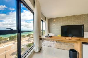 Master Suite with Sea View (3 Adults + 1 Child)