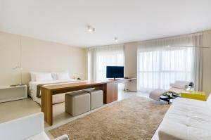 Premium Suite with Partial Sea View (2 Adults + 1 Child)