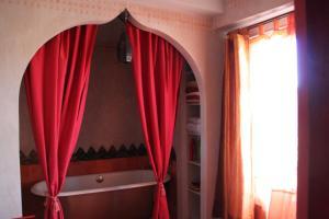 Chambres d'hôtes Manoir du Buquet, Bed & Breakfast  Honfleur - big - 11