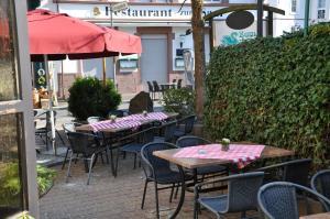 Hotel Restaurant Zum Schwan, Szállodák  Mettlach - big - 54