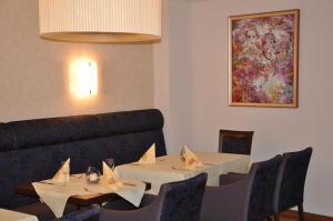 Hotel Restaurant Zum Schwan, Szállodák  Mettlach - big - 51