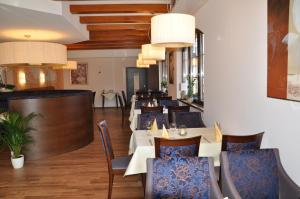 Hotel Restaurant Zum Schwan, Szállodák  Mettlach - big - 53